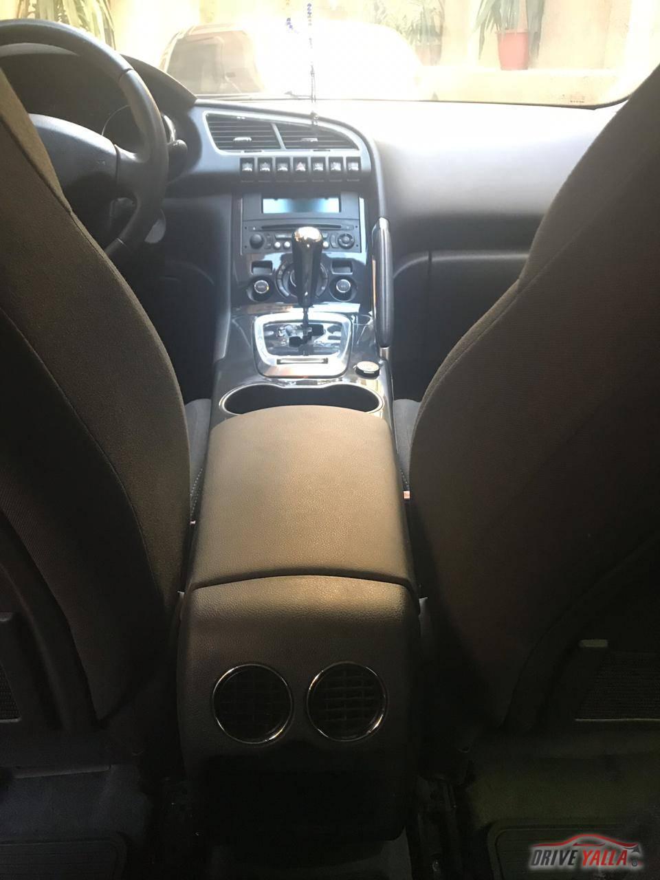 للبيع سيارة بيجو 3008 موديل 2015