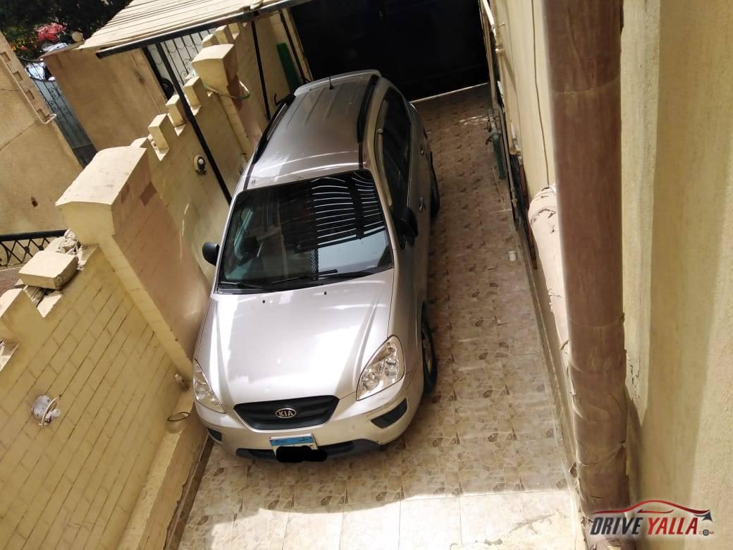 كيا كارينز مستعملة للبيع فى مصر 2009
