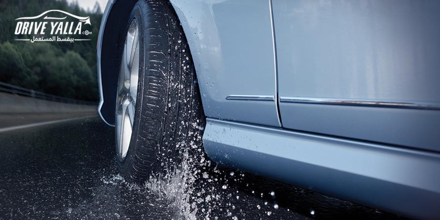 كيفيه قيادة السيارات وقت الامطار
